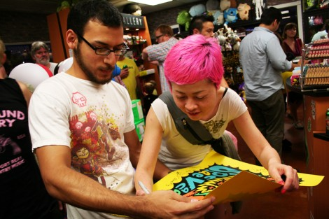 Peelander Pink wants to give you her autograph.